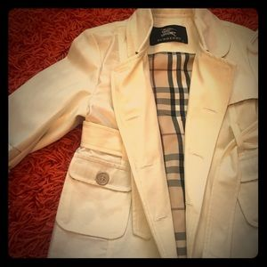 Burberry trench coat girl size 6T